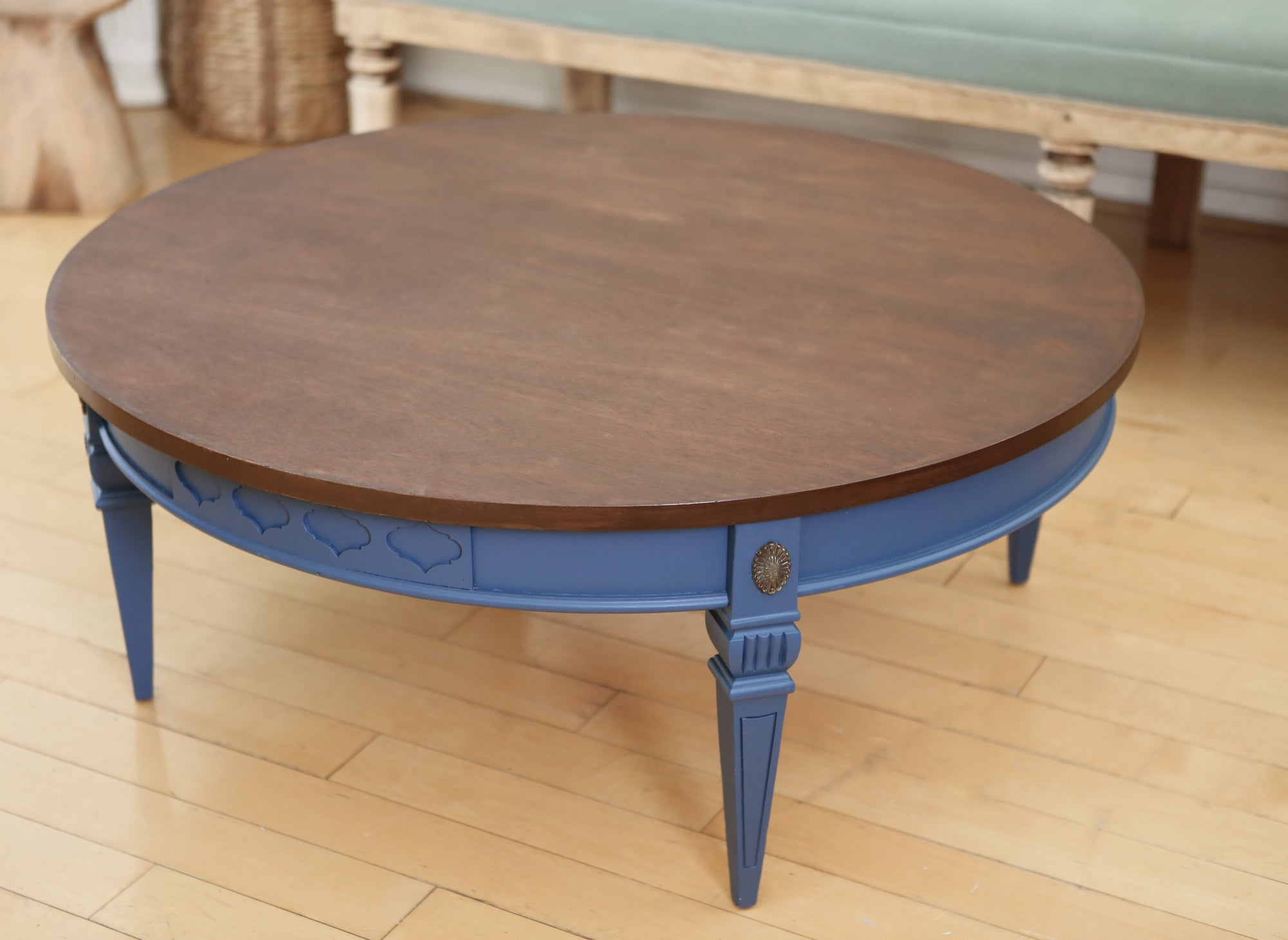 Shabby Chic Wooden Top Vintage Round Coffee Table No 252