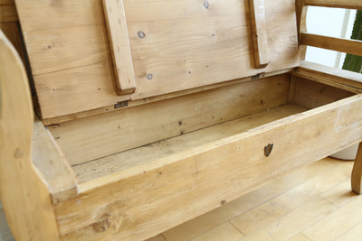 Vintage Pine Storage Bench No 588 - ShopGoldenPineapple