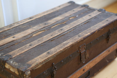 Antique Steamer Trunk Coffee Table No 590 - ShopGoldenPineapple