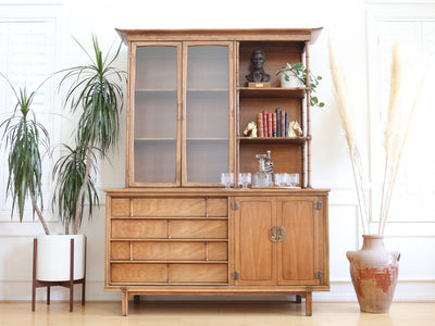 Thomasville Mid-Century Modern China Cabinet Hutch Credenza No618 - ShopGoldenPineapple