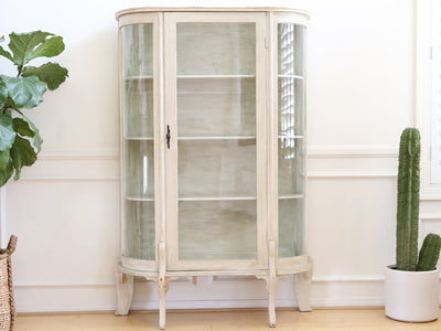 Vintage White Curio Display Cabinet No 625 - ShopGoldenPineapple