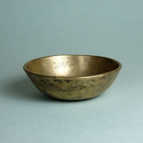 Tibetan singing bowl, or Himalayan singing bowl, wonderful for meditation or relaxation. These bowls are offering bowls from the Tibetan Buddhist tradition.