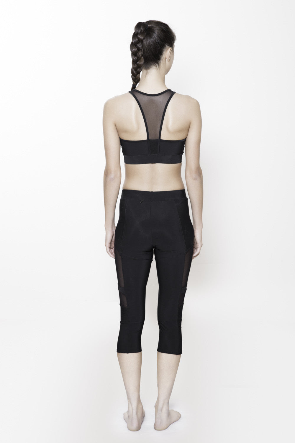 Midriff Cutout Bratop in Black