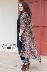plus sized model wearing Dixie Duster