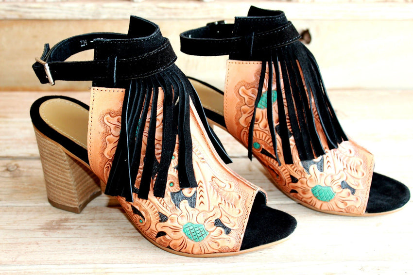 Lea's Fringe Top Sandals