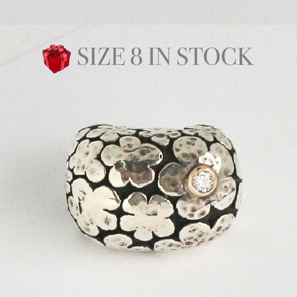Blooms Ring with Gold Bezel and Diamond