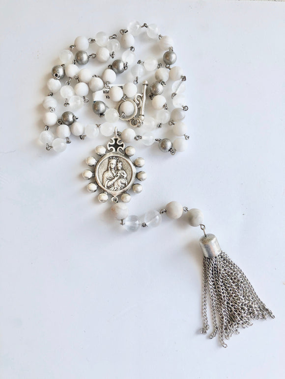 "28"" Linen Mix with Crowning Mary Medallion and Tassel"