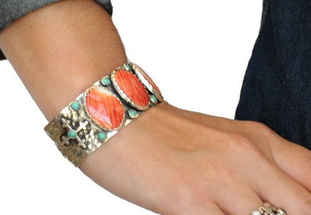 Spiney Oyster with Turq & Crosses Cuff