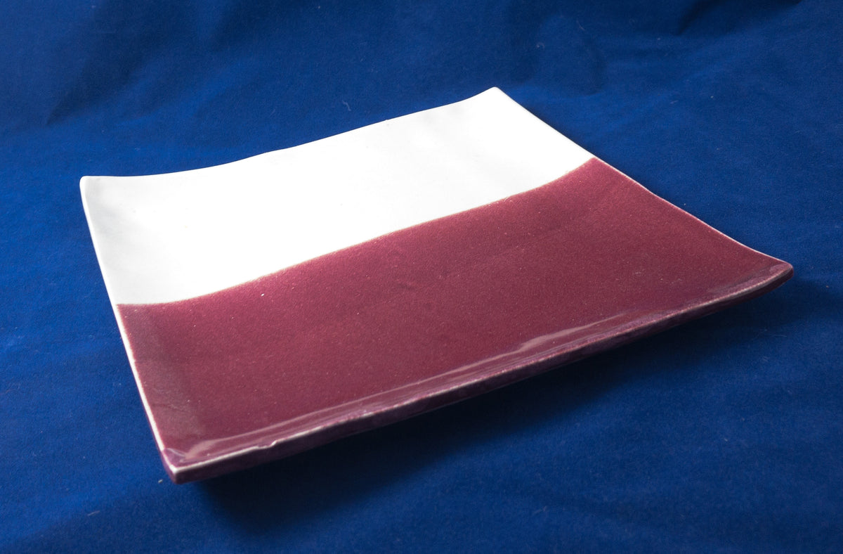The Heather - white and cranberry square tray