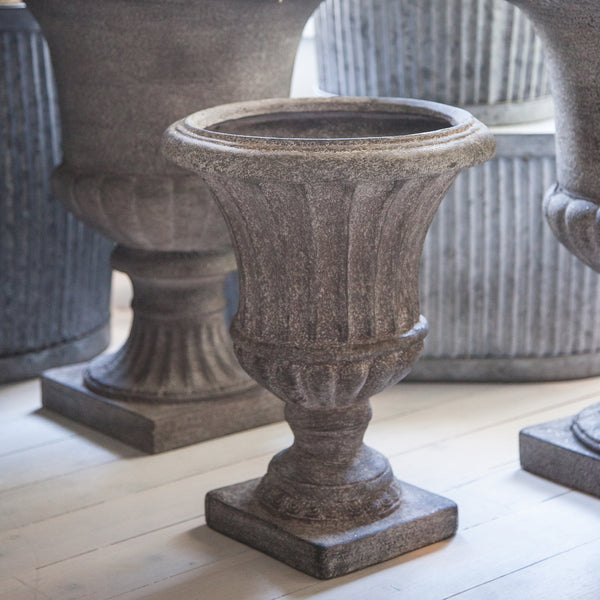 Liorette Medium Ribbed Resin Urn