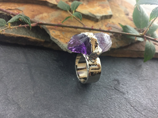 Natural Amethyst Point Ring Size 8 7/8 - Bright Nickel - Cat No 1099