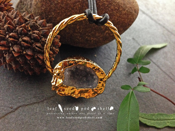 Geode Pendant - Gold - Cat No 277 - Leaf Seed Pod Shell - 1