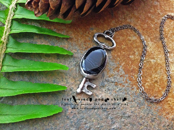 Black vein Agate Key Pendant - Antique Silver - Cat No 313 - Leaf Seed Pod Shell - 1