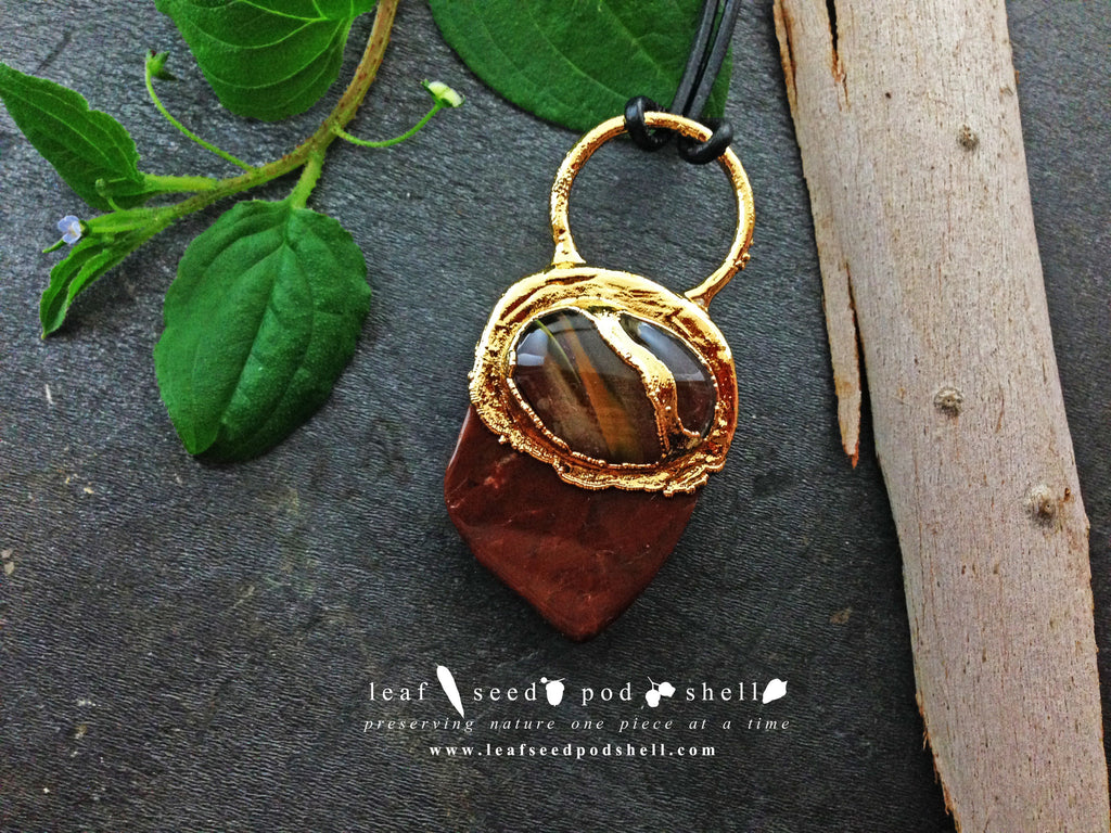 Red Cherry Quartz/Brown Jasper Pendant - Gold - Cat No 364 - Leaf Seed Pod Shell - 1