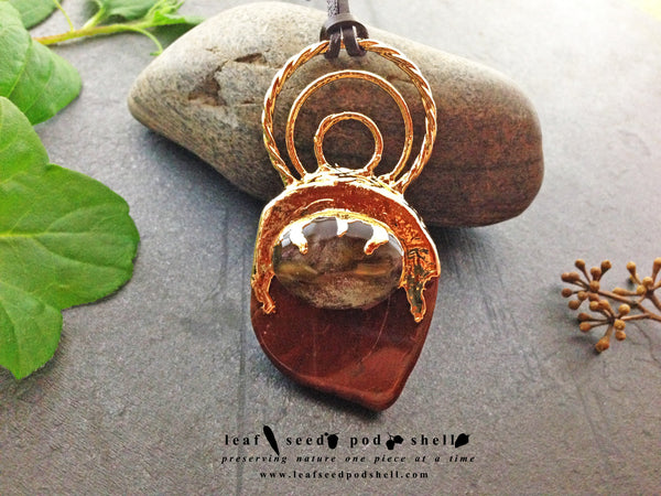 Red Cherry Quartz/Red Agate Pendant - Gold - Cat No 379 - Leaf Seed Pod Shell - 1
