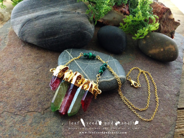 Green and Red Quartz Crystal - Gold - Cat No 75 - Leaf Seed Pod Shell - 1