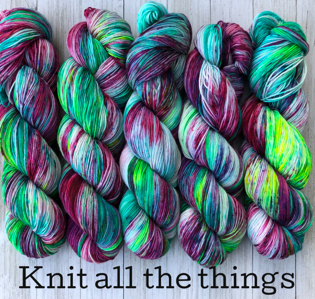 Knit all the things & Hoard all the strings