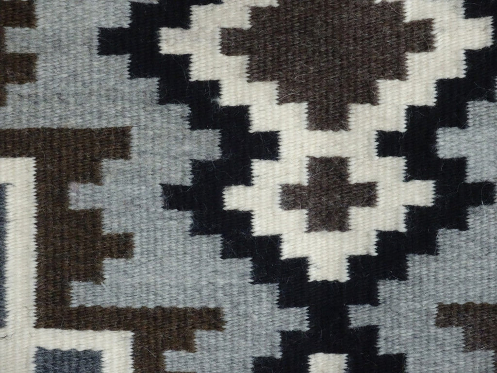 Two Grey Hills Navajo Rug Weaving : Contemporary : 3277 SG - Getzwiller's Nizhoni Ranch Gallery
