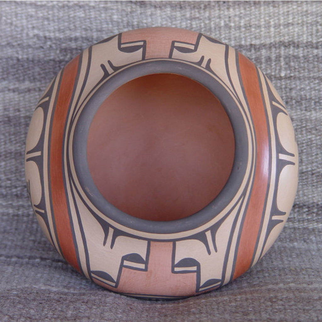 SOLD Zia Pueblo Pottery : Ruby Panana : Road Runner Design