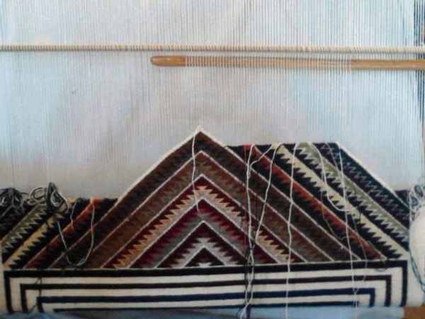 Red Mesa - Modern Art Navajo Weaving : Cecelia Nez : Churro 1470 - Getzwiller's Nizhoni Ranch Gallery
