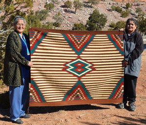 3rd Phase Woman's Navajo Blanket : Elaine Upshaw : Churro 1305 : 48″ x 60″ - Getzwiller's Nizhoni Ranch Gallery