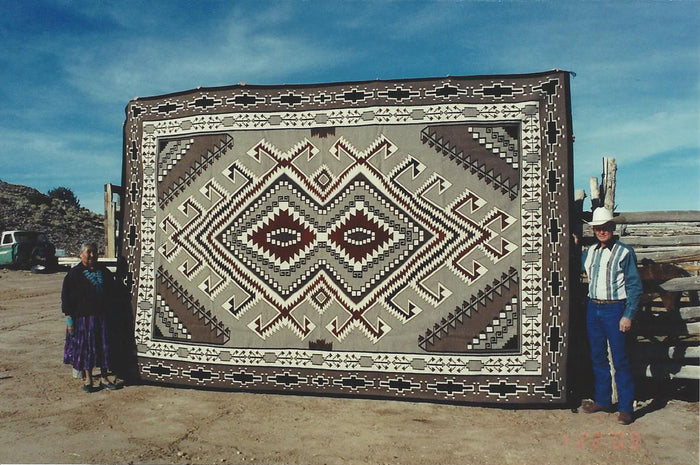Teec Nos Pos Navajo Weaving : Grace Nez : Churro 500 : 10' x 15'