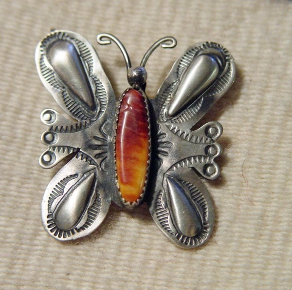 Native American Jewelry: Navajo: Spiny Oyster Shell Navajo Butterfly Pin : NAJ-SPSBP - Getzwiller's Nizhoni Ranch Gallery