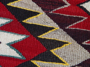 Red Mesa Navajo Weaving : Historic : GHT 2198 - Getzwiller's Nizhoni Ranch Gallery