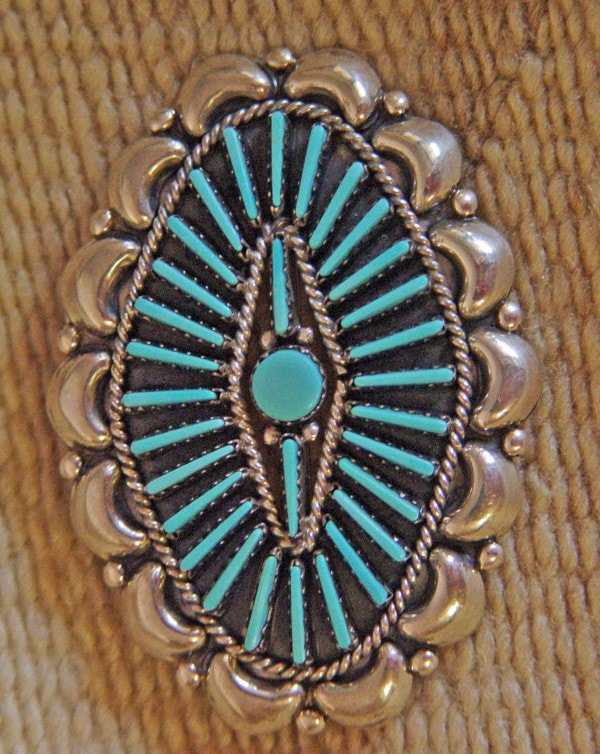 Native American Jewelry : Zuni/ Navajo Turquoise Peti Point Pin : NAJ-19P