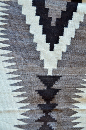 HOLD Transitional Optical Navajo Weaving : Historic : GHT 2206 - Getzwiller's Nizhoni Ranch Gallery