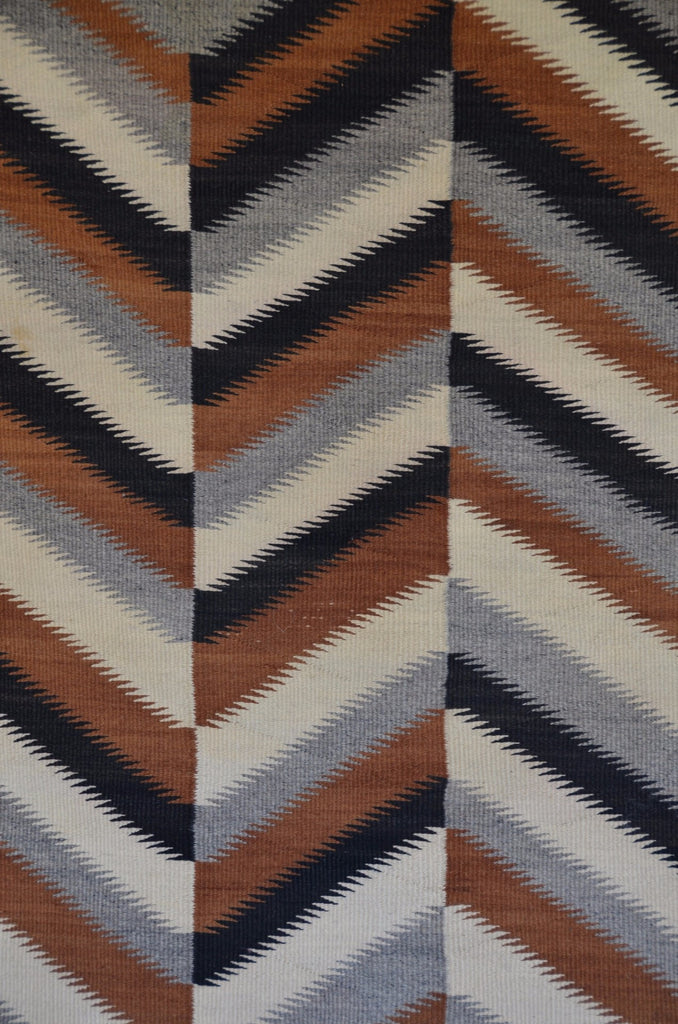 Optical Art Eye Dazzler Navajo Rug Weaving : Historic : GHT 731 - Getzwiller's Nizhoni Ranch Gallery