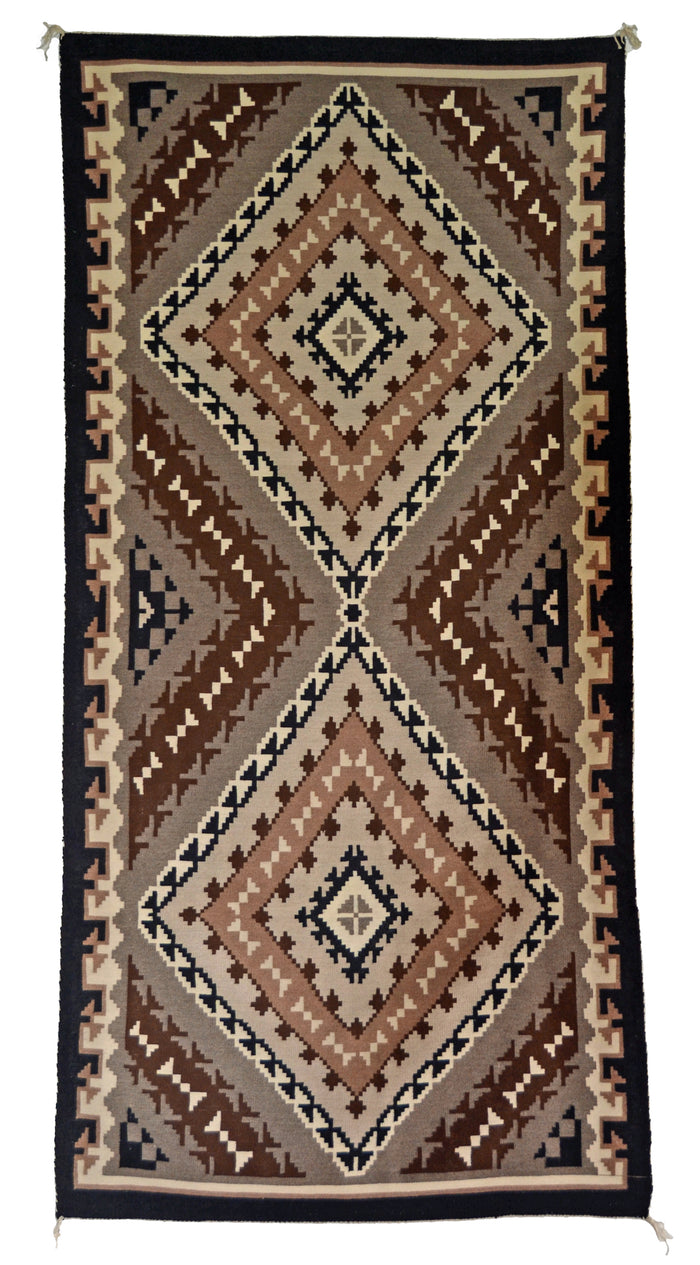 Two Grey Hills Navajo Weaving : Emma Benally : B-7 : 3'5″ x 6'1″