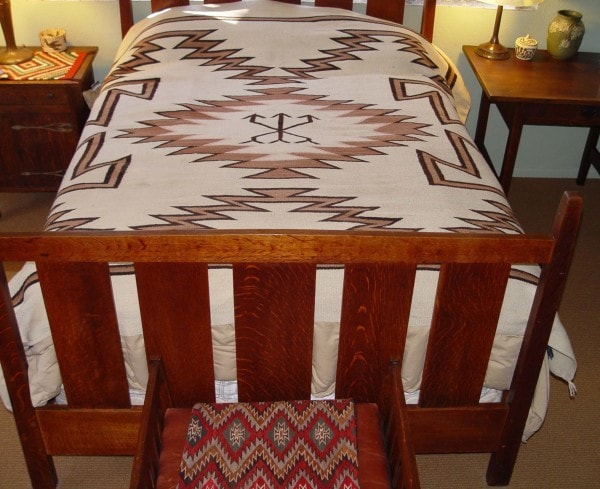 Transitional Navajo Bedspread : Historic : GHT 2009 - Getzwiller's Nizhoni Ranch Gallery