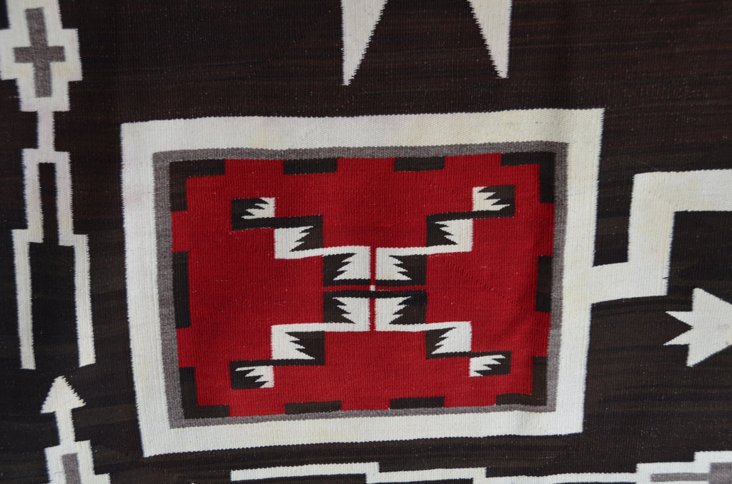 Very Large historic Storm Pattern Navajo Rug detail