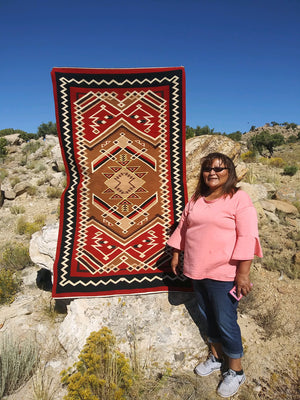 Navajo Rug on the Loom : Geraldine Phillips : Looming Attractions - Getzwiller's Nizhoni Ranch Gallery