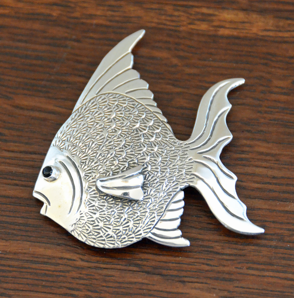 Navajo Jewelry : Tropical Fish Pin: Lee Charley : NAJ-26P - Getzwiller's Nizhoni Ranch Gallery