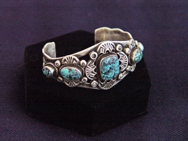 Native American Jewelry : Navajo : Sterling Silver And Turquoise Bracelet : NAJ-2