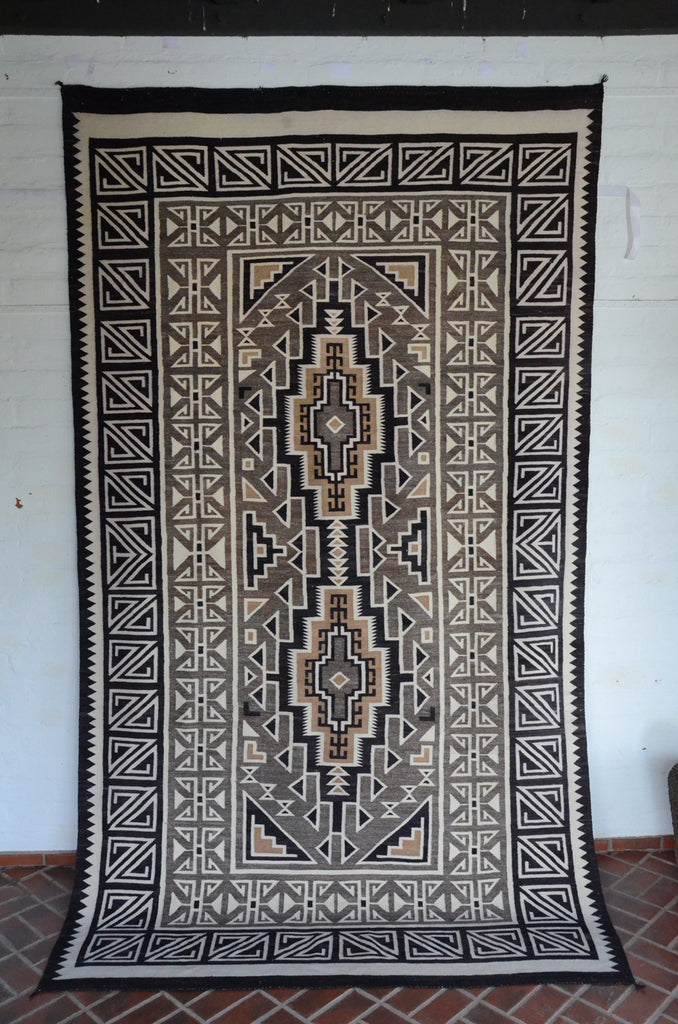 Large Two Grey Hills: Historic Navajo Weaving : GHT 2302 - Getzwiller's Nizhoni Ranch Gallery