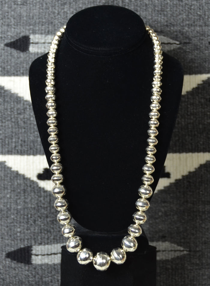 Jewelry : Hand crafted silver bead necklace : Jeffrey Nelson : NAJ-N43