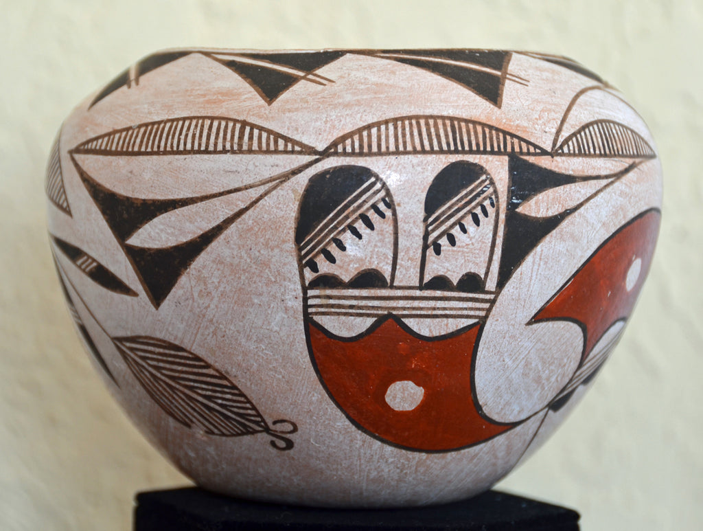 Native American Acoma Pueblo Pottery : MC Torivio - Getzwiller's Nizhoni Ranch Gallery