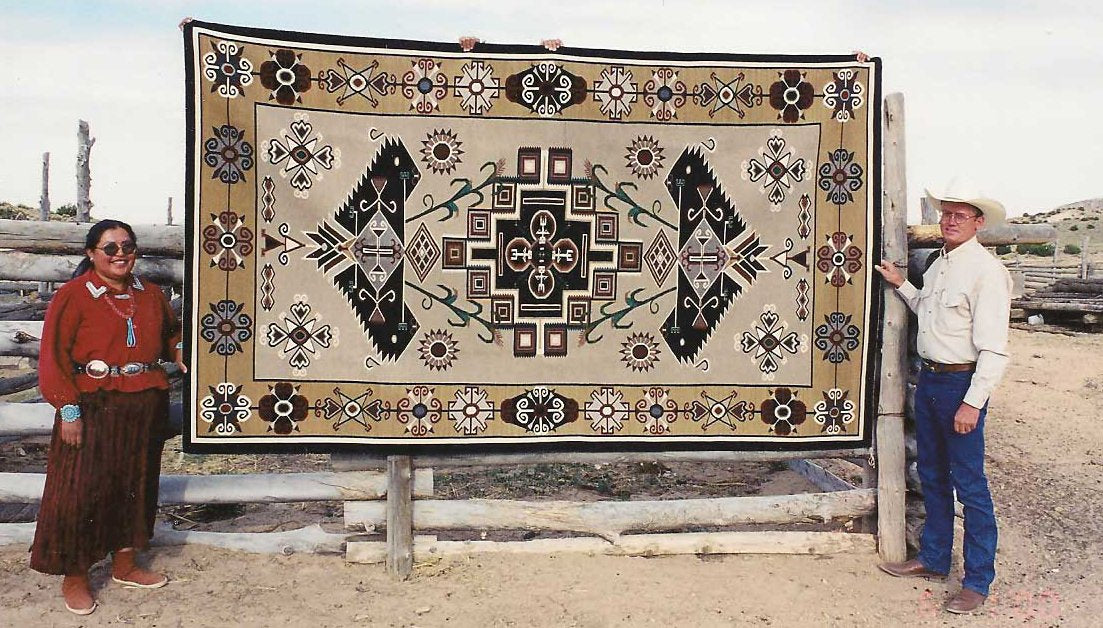 If you're looking for the best quality in authentic Navajo Rugs, Nizhoni Ranch Gallery is the place to come.