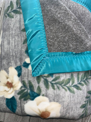 {RTS} Teal Floral Child Cuddle Blanket (BRAND NEW)