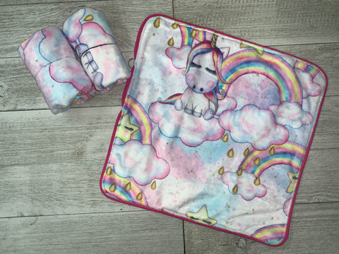 {RTS} Unicorn Lovey Cuddle Blanket (BRAND NEW)