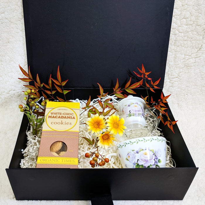 White rose teapot giftset