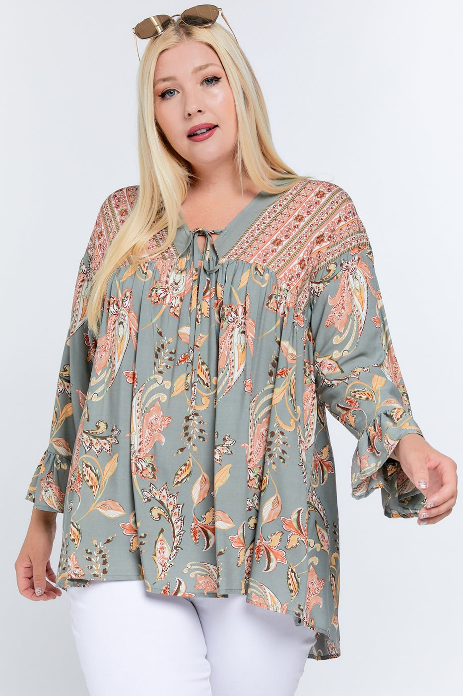 Got Your Attention Tunic in Sage - Curvy