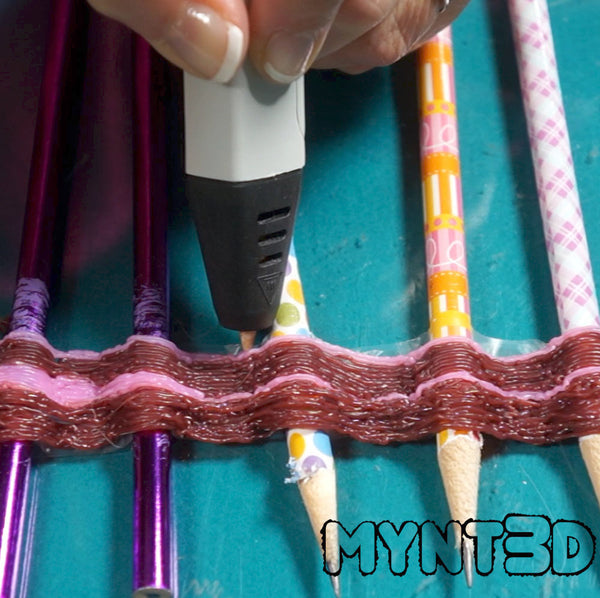 3D printing pen drawing technique for creating waves, squiggles and zig zag curves from MYNT3D