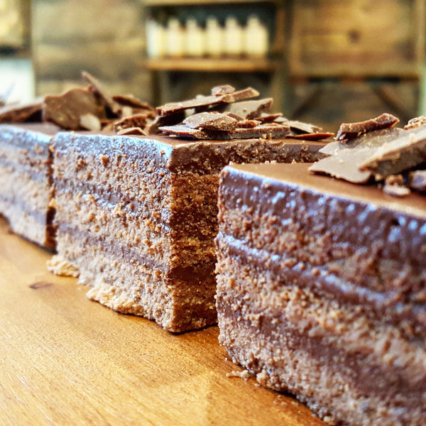 The Ultimate Chocolate Cake - Raw Trader Cafe