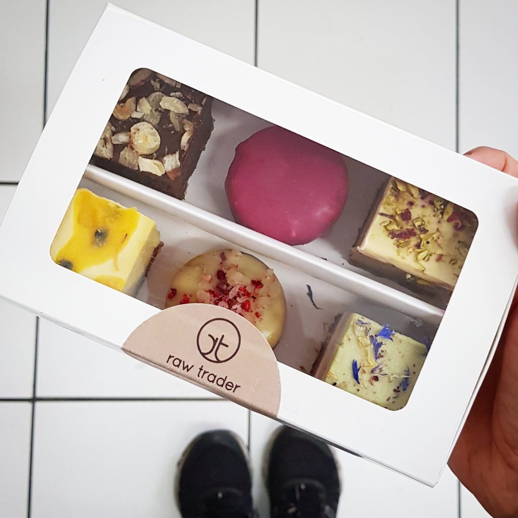 The Lovers & Friends Dessert Box