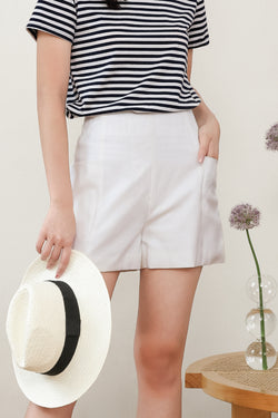 Belinda Side Pocket Shorts In White