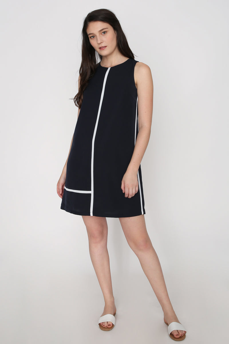 Naomi Contrast Shift Dress